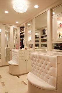 Huntington Beach contemporary closet