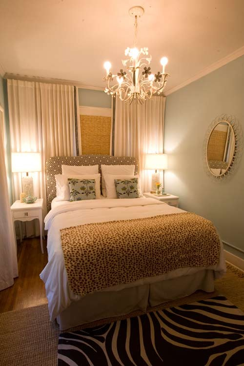 Design Solutions Feel larger ~ Small Bedroom on Small Room Pallet Bedroom Ideas  id=54975