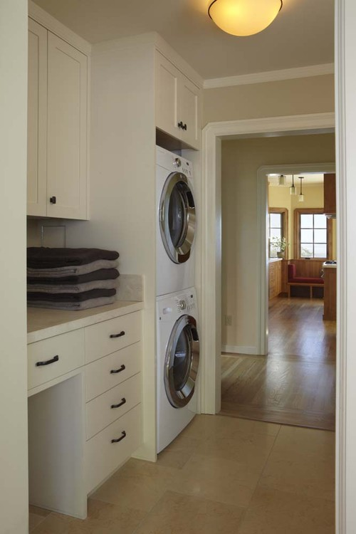 Laundry traditional laundry room