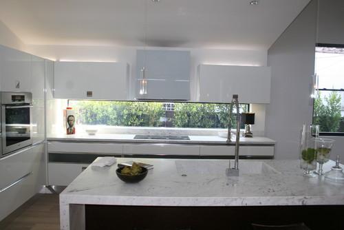 White Laquer and Dark Oak Kitchen modern kitchen