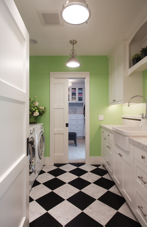 Kirkland Lake View House eclectic laundry room