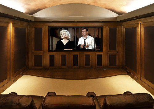 Gentlemans Pub traditional media room