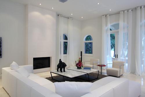 modern living room by CLAUDIA LUJAN
