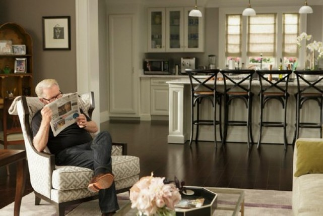 Behind-the-scenes Tour of Netflix\'s Grace and Frankie – Must Love Home