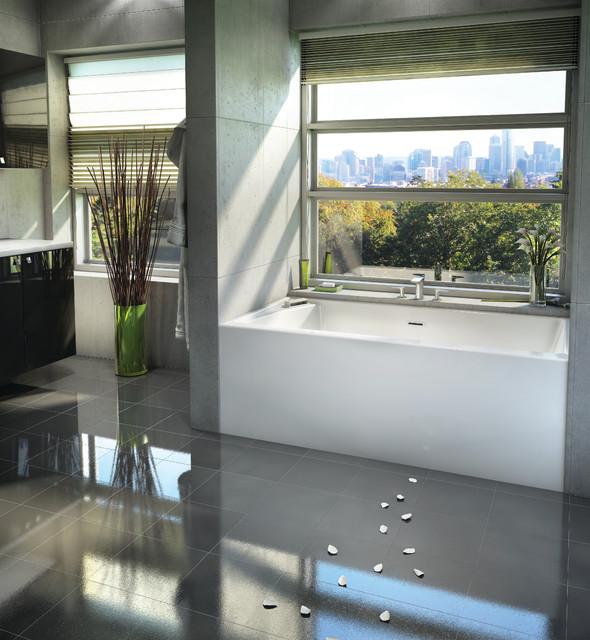 CITTI 6032 Bathtub With Insert By BainUltra Contemporary