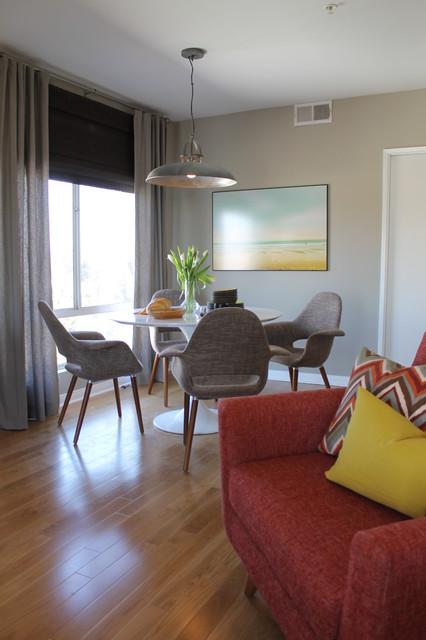 Saarinen Style Tulip Table And Mid Century Modern Lounge
