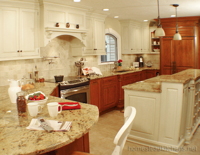 Littleton Curved Peninsula Traditional Kitchen