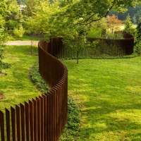 15 Ideas for Beautiful Fence Wall Designs