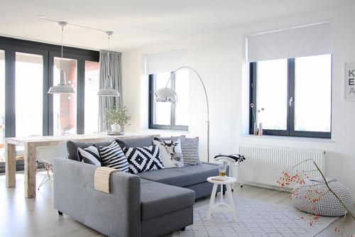 RoyaumeStyleDeco, séjour, salon, gris et blanc, table bois