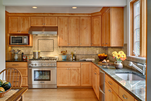 paint to match maple cognac kitchen cabinets on Maple Cabinets Kitchen  id=76429