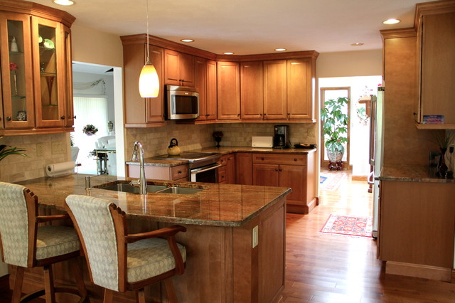 L Shaped Peninsula Kitchen