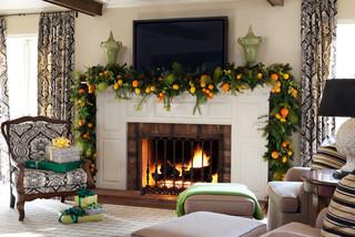 An autumn-inspired garland theme.