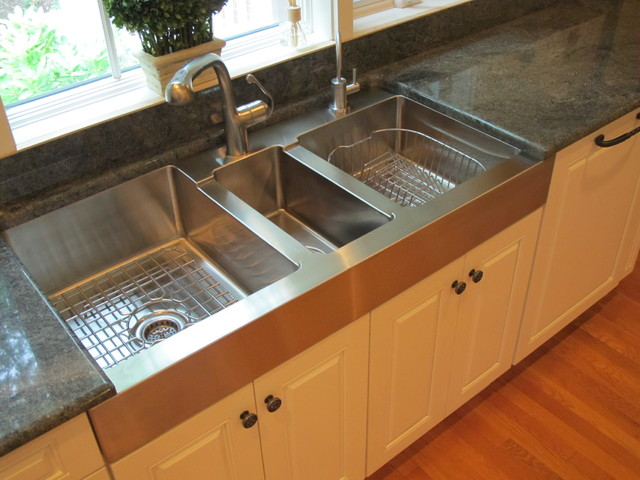 traditional kitchen by Guinn Construction LLC