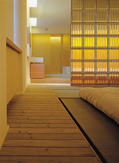 Bedroom Partition Wall With Textured Pattern Glass Blocks