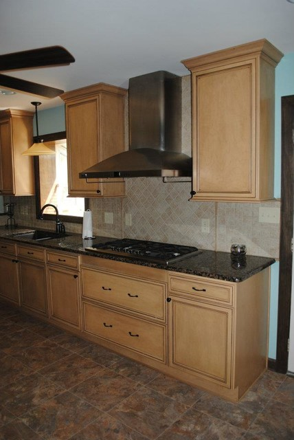 Duraceramic Floors, Maple Cabinets, Baltic Brown Granite ... on What Color Backsplash With Maple Cabinets  id=68337