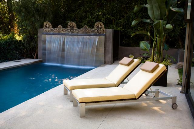 Modern Outdoor Intimate Pool Deck