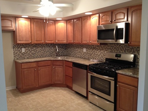 What flooring was used? Need ideas to go with toffee maple ... on What Granite Goes With Maple Cabinets  id=39689
