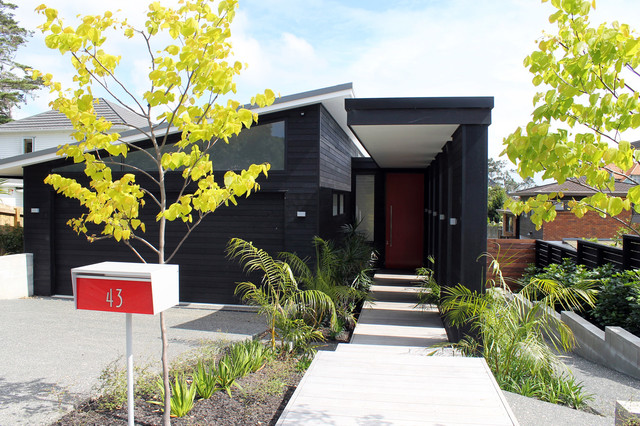 contemporary exterior by Architecture Smith + Scully Ltd