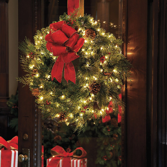 Battery Operated Christmas Decorations For Windows
