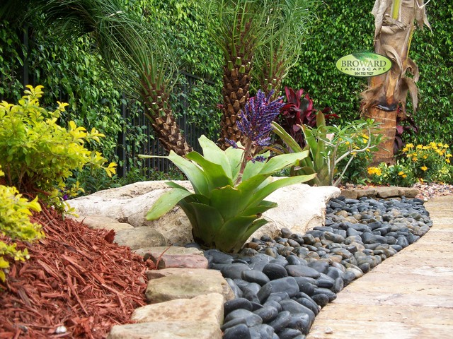 Front Yard Landscaping Tropical Ideas - Home Decorating Ideas on Tropical Landscaping Ideas For Small Yards id=39578