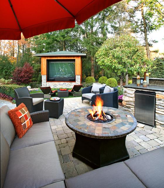 Ann Arbor Outdoor Living contemporary patio