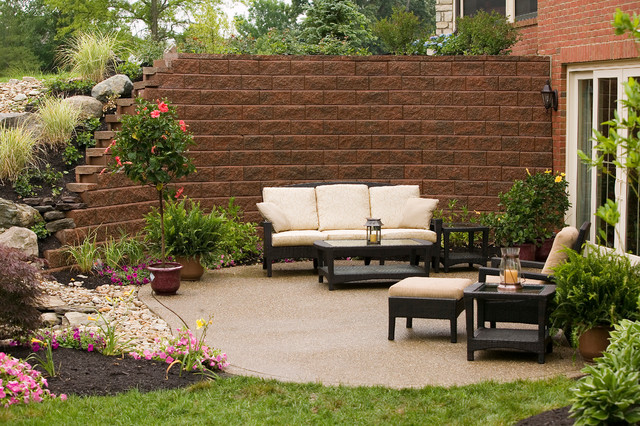 Outdoor Living Spaces with Pavers & Retaining Walls ... on Houzz Outdoor Living Spaces id=52682