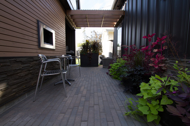 Creative Outdoor Living Spaces~ large and small - Patio ... on Houzz Outdoor Living Spaces id=28753