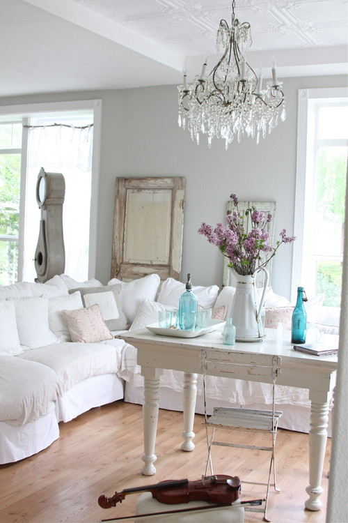 Salon, style cottage, Metro Media and Bloggers Dreamy Whites