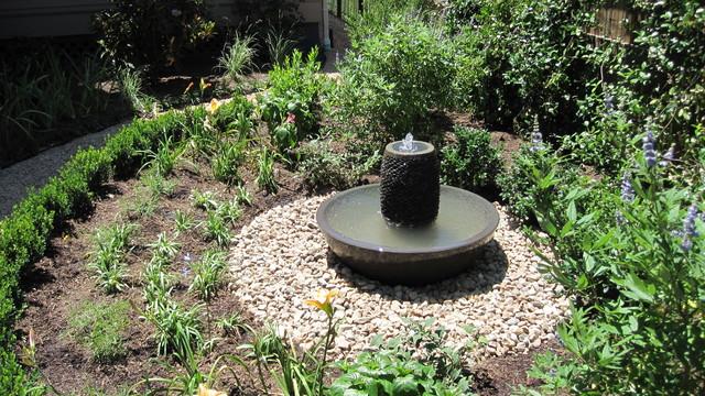 Backyard bird sanctuary - Traditional - Landscape ... on Birds Backyard Landscapes id=27792