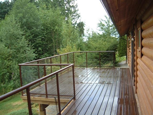 7 Beautiful Glass Railing Ideas For Outdoor Space