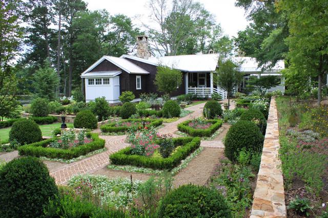 Farmhouse Landscape on Farmhouse Backyard Landscaping id=94997