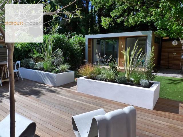 Contemporary Modern Landscape Design Ideas for Small Urban ... on Small Urban Patio Ideas id=47084