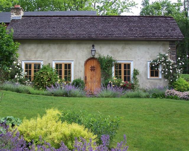 Romantic Guesthouse Garden - Farmhouse - Landscape ...