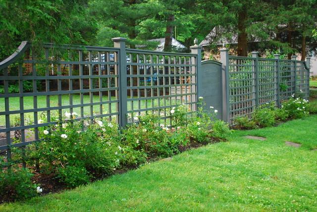 Outdoor Fence Decor