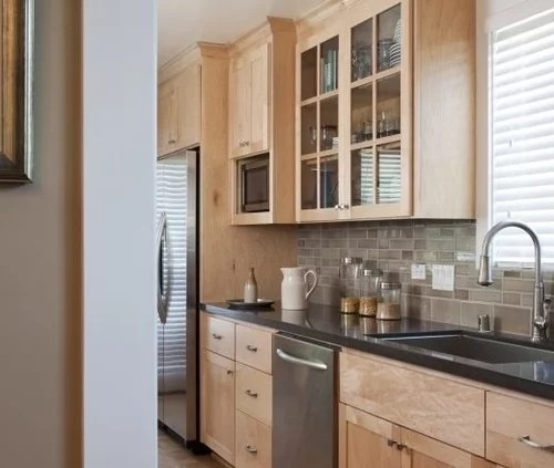 Honed quartz with light maple cabinets: help on Light Maple Cabinets With Black Countertops  id=31679