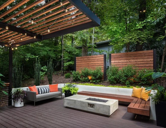 Contemporary Deck by Boyce Design and Contracting