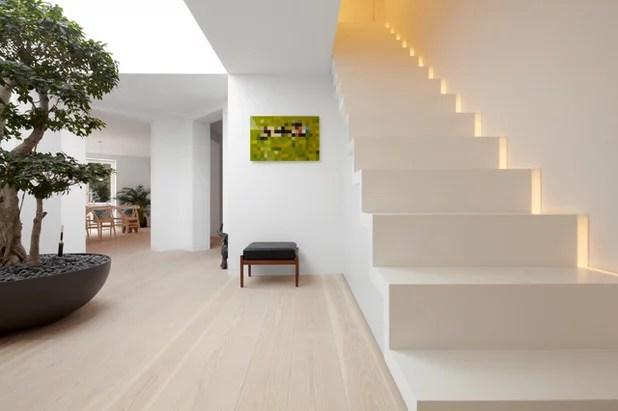 Eine Treppe ohne Geländer – ist das überhaupt erlaubt?