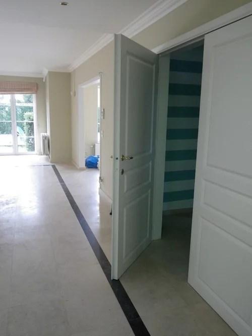 black border on the living floor tile floor