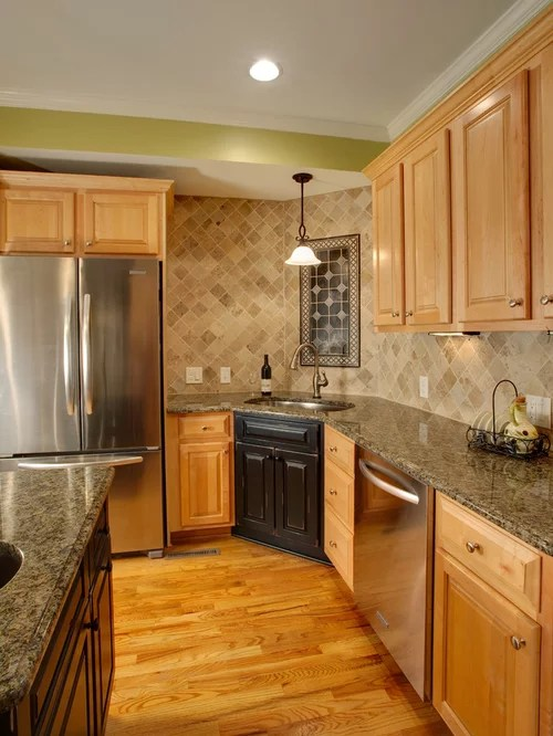 Painted Maple Cabinets Ideas, Pictures, Remodel and Decor on Natural Maple Kitchen Backsplash Ideas With Maple Cabinets  id=46135