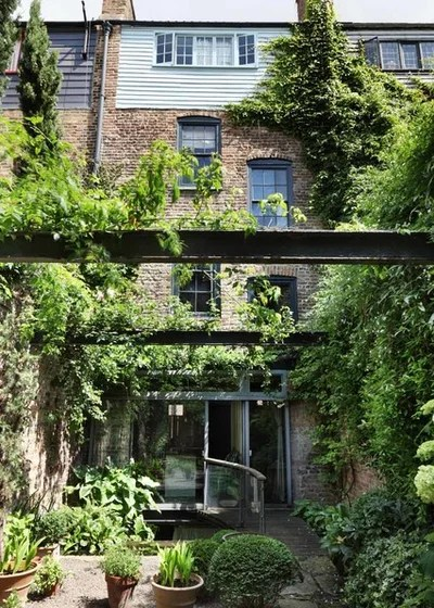 Rustic Landscape by Mackenzie Wheeler Architects & Designers