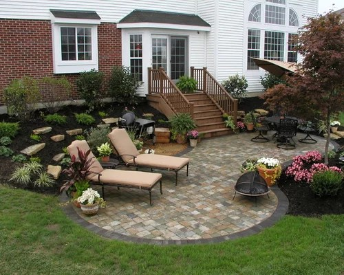 Kidney Shaped Patio Design Ideas, Remodels & Photos | Houzz on Patio Shape Designs id=26304