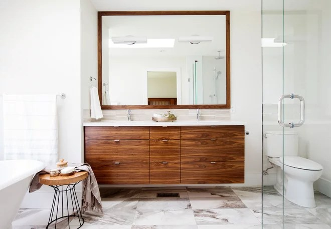 Contemporary Bathroom by RG Design Studio Inc.