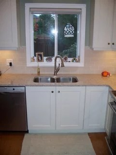 kitchen sink size and window size