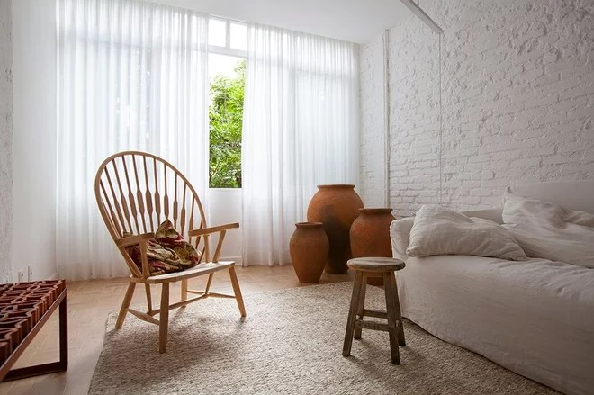 Scandinavian Family Room by UP interiors