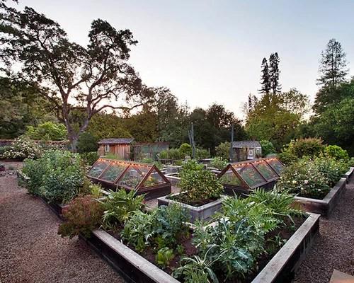 Best Farmhouse Landscape Design Ideas & Remodel Pictures ... on Farmhouse Backyard Landscaping id=27612