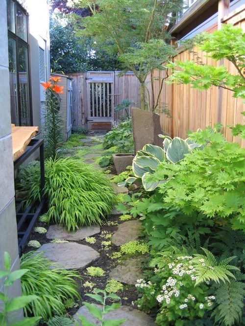 Narrow Side Yard Home Design Ideas, Pictures, Remodel and ... on Small Side Yard Ideas  id=98265