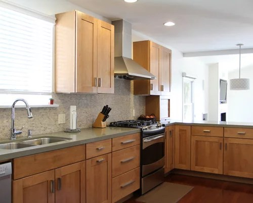 Maple Honey Glazed Cabinets Home Design Ideas, Pictures ... on Maple Cabinets With Backsplash  id=62444
