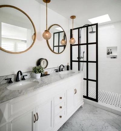 Modern Bathroom by CM Natural Designs