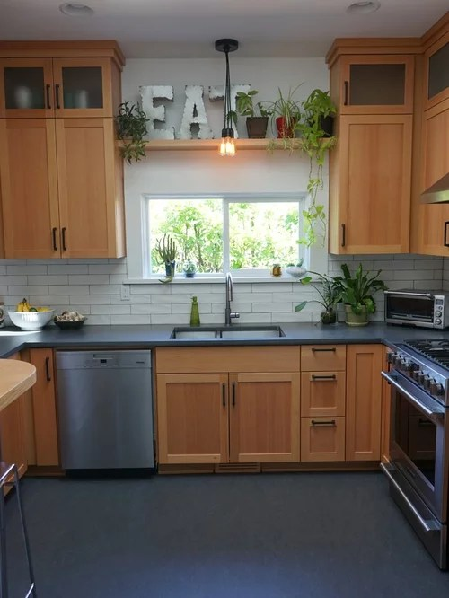 Best 70 Small Kitchen Ideas & Remodeling Pictures | Houzz on Small Kitchen Remodeling Ideas  id=34957