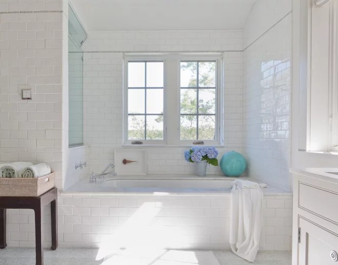 Beach Style Bathroom by Wettling Architects